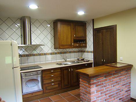 Cocina frente en pino muebles de cocina frente en pino for Muebles de cocina vibbo